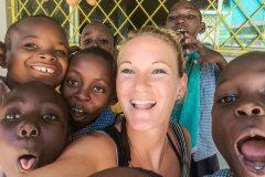 Fotoserie Kenia Selfie mit kenianischen Kindern